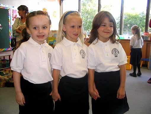 three cute girls H18.html