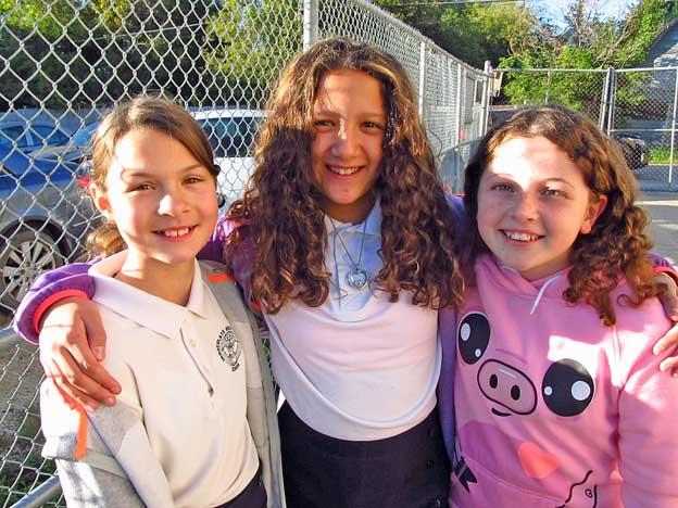 threegr6girls